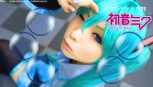 Download Hatsune Miku Cosplay PS Vita Wallpaper