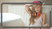 Download Dubstep Girl PS Vita Wallpaper